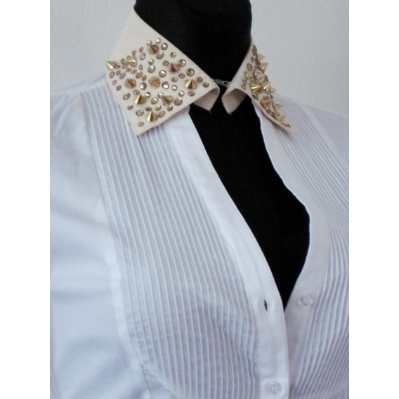 Decorative studded collar Sale 50%